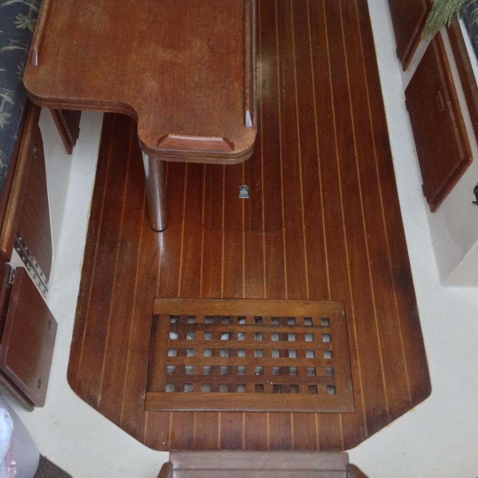 Sailboat - Hunter 30 - Cabin