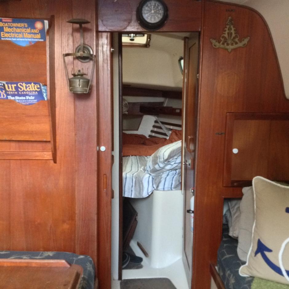 Sailboat - Hunter 30 - Salon